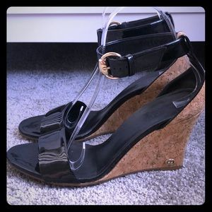 Auth Gucci black patent wide strap cork wedges
